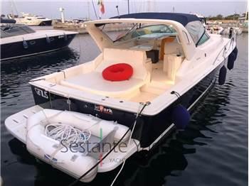 Riviera Marine - 4000 Offshore