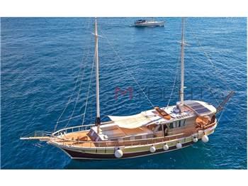 Turkish shipyard - Wood motorsailer