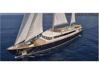 Custom Sailing Yacht  43