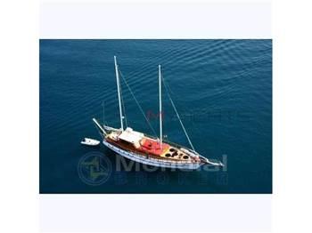 Turkish shipyard M ̸ s aborda