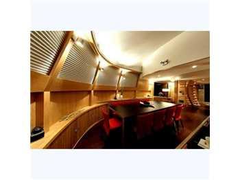 H2x yachts & ships Catamarano a motore