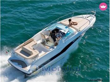 Noleggio Charter Rent RIO 32 - BLU cabin cruiser con patente sul Lago di Garda