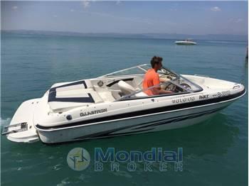 Noleggio Rent Charter Glastron GT 185 con patente sul Lago di Garda